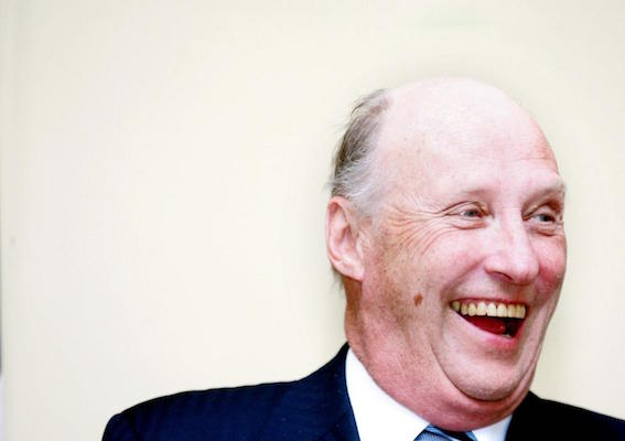 King of Norway, Skin cancer or just a mole?