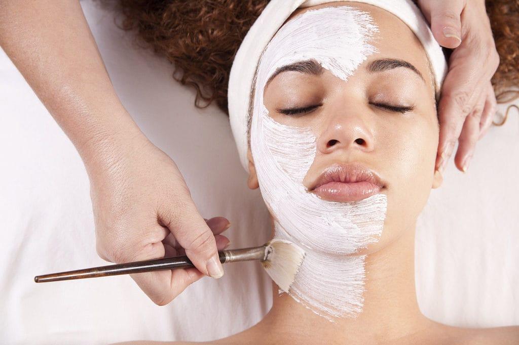 first derm kemisk peeling ansiktsbehandling