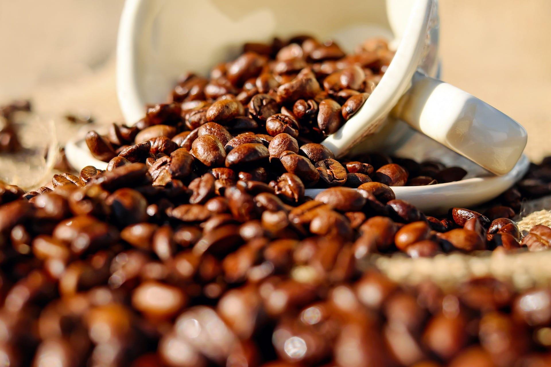 kaffe-kaffekopp-kaffebönor-bönor