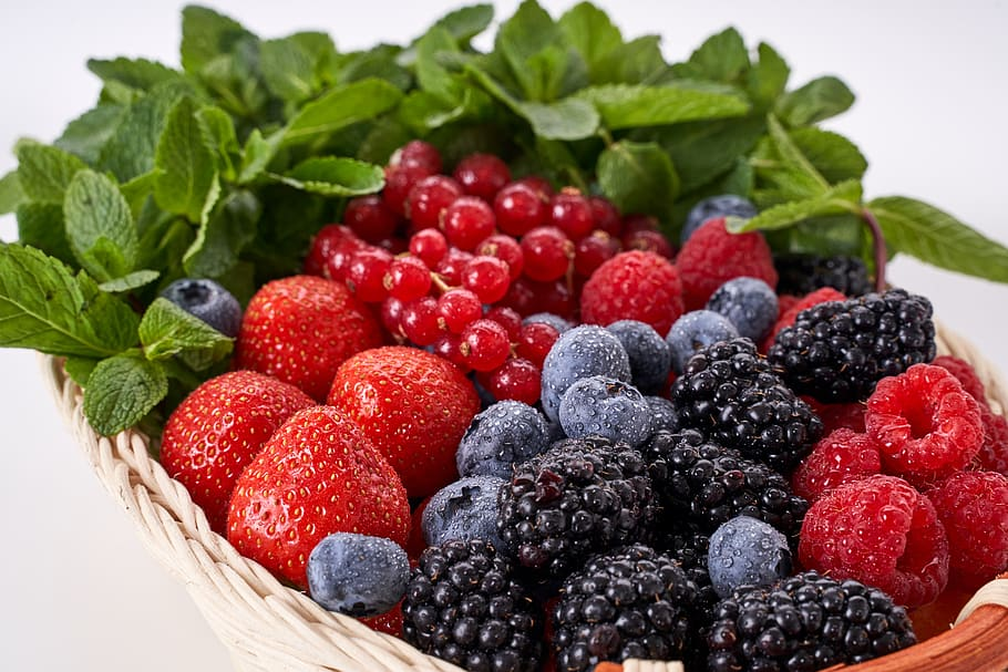 berries-healthy-skin